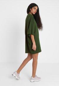 Weekday - HUGE - Jersey dress - green dark - 2