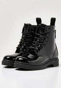 British Knights - SNEAKER BLAKE - Korte laarzen - black shiny - 2
