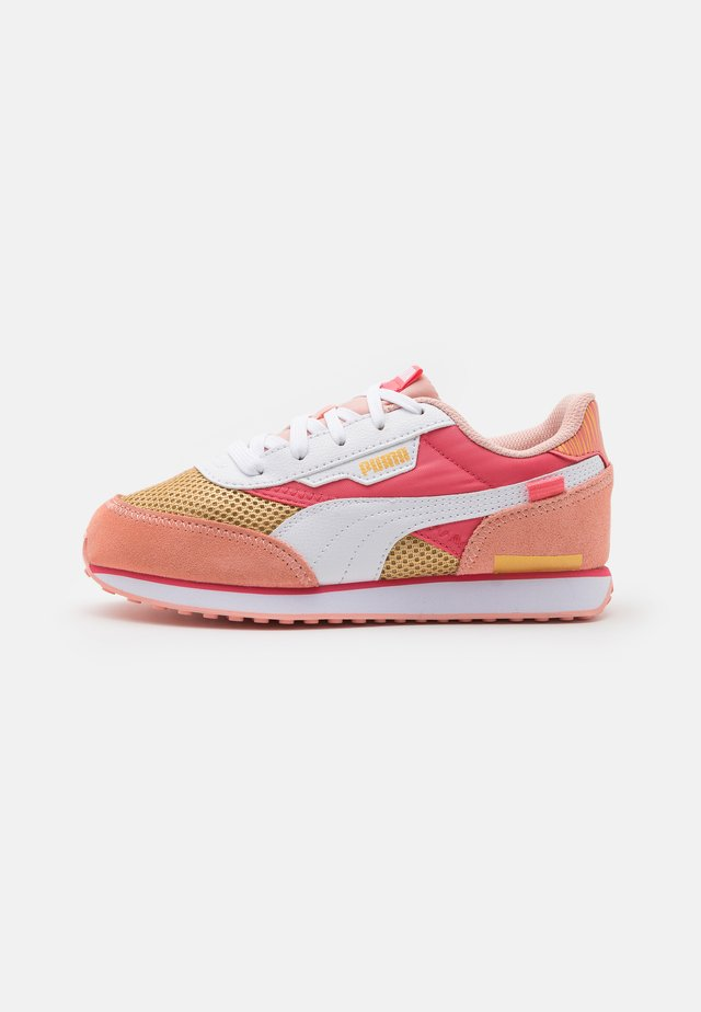 FUTURE RIDER FIREWORKS - Trainers - sun kissed coral/white