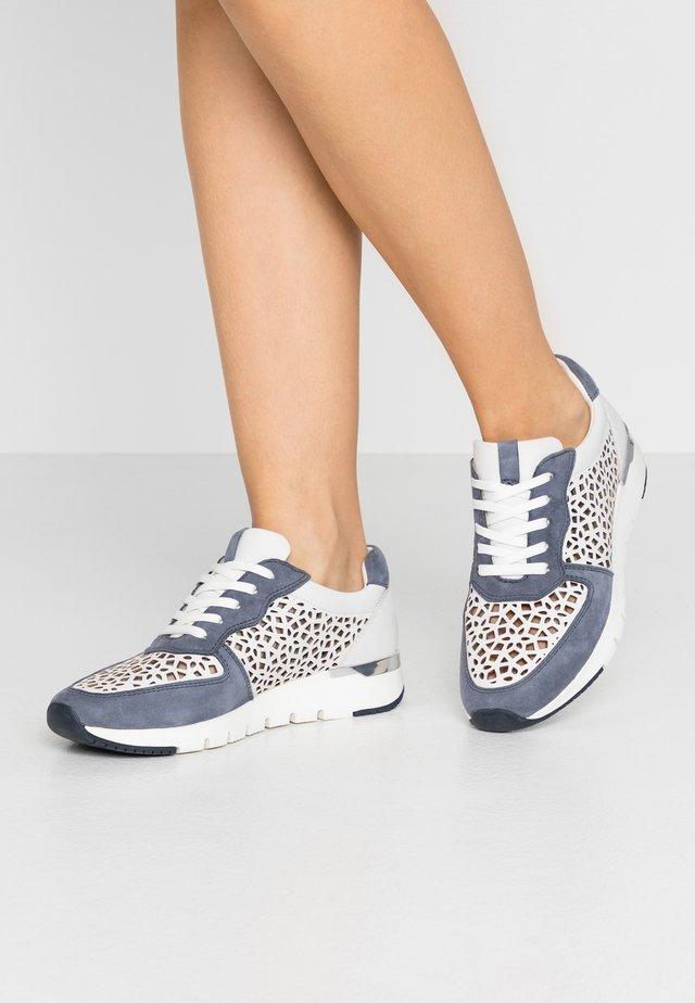 Zapatillas - white/jeans