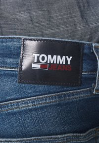 Tommy Jeans - SCANTON 132 MID STRETCH - Jeans Slim Fit - denim - 4