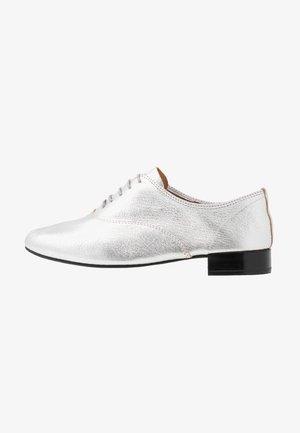 CHARLOTTE - Šněrovací boty - argent
