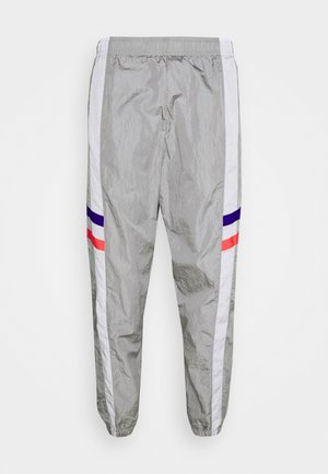CHELSEA LONDON PANT - Tracksuit bottoms - matte silver/white/concord/ember glow