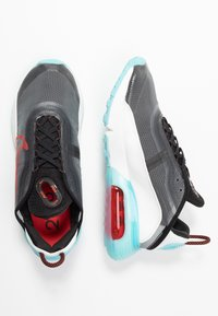 Nike Sportswear - AIR MAX 2090 - Sneaker low - black/chile red/bleached aqua/summit white - 5