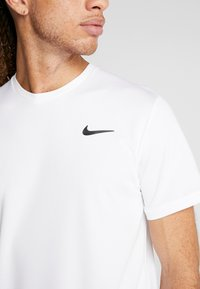 Nike Performance - DRY - Basic T-shirt - white/black - 5