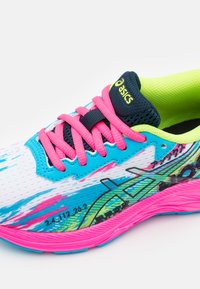 ASICS - GEL-NOOSA TRI 13 UNISEX - Competition running shoes - digital aqua/hot pink - 5