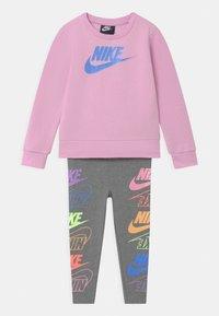 Nike Sportswear - FUTURA SET - Mikina - carbon heather - 0
