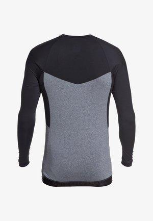 QUIKSILVER™ CORE PERFORMER - LANGÄRMLIGER RASHGUARD MIT UPF 50 F - Rash vest - black