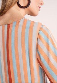 comma - Day dress - terracotta stripes - 4