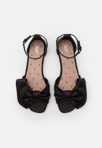 Red V - Sandals - nero - 4