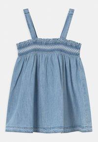 GAP - SMOCK - Denim dress - light-blue denim - 1