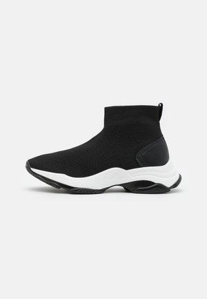 VEGAN JACKKS - Sneakers alte - black