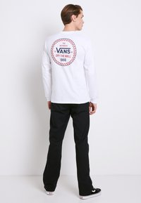 Vans - MN CHECKER 66 LS - Long sleeved top - white - 2