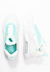 Nike Sportswear - AIR MAX 2090 - Trainers - sail/black/green/summit white - 3