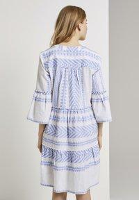 TOM TAILOR - MIT VOLANTS - Day dress - white blue large ikat design - 2