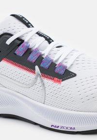 Nike Performance - AIR ZOOM PEGASUS 38 - Scarpe running neutre - white/metallic silver/black/flash crimson/anthracite/wild berry - 5