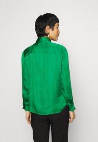 Banana Republic - DILLON SOFT  - Button-down blouse - luscious green - 2