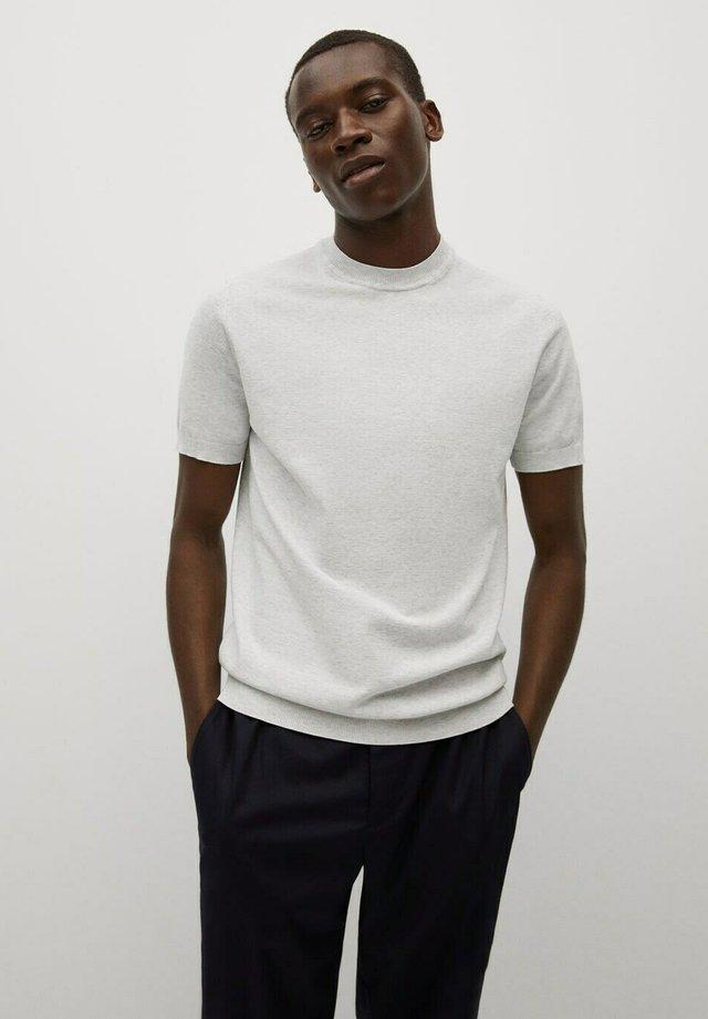 TECHNOC - Basic T-shirt - hellgrau meliert