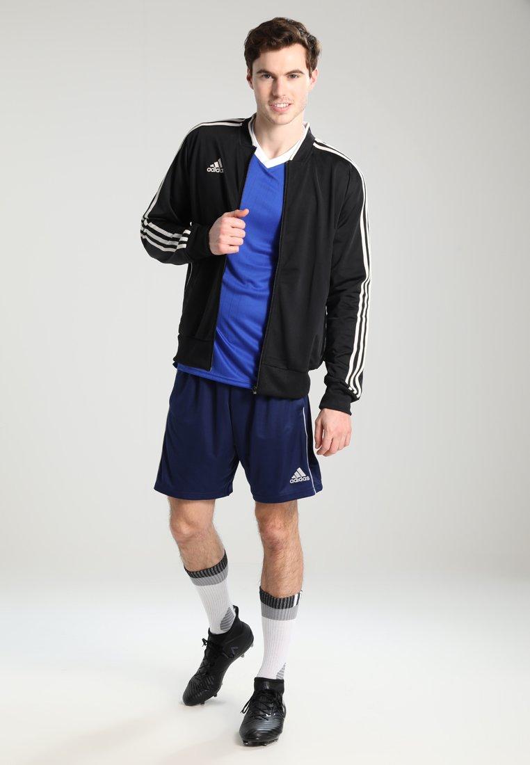 Men CORE ELEVEN PRIMEGREEN FOOTBALL 1/4 SHORTS - Sports shorts
