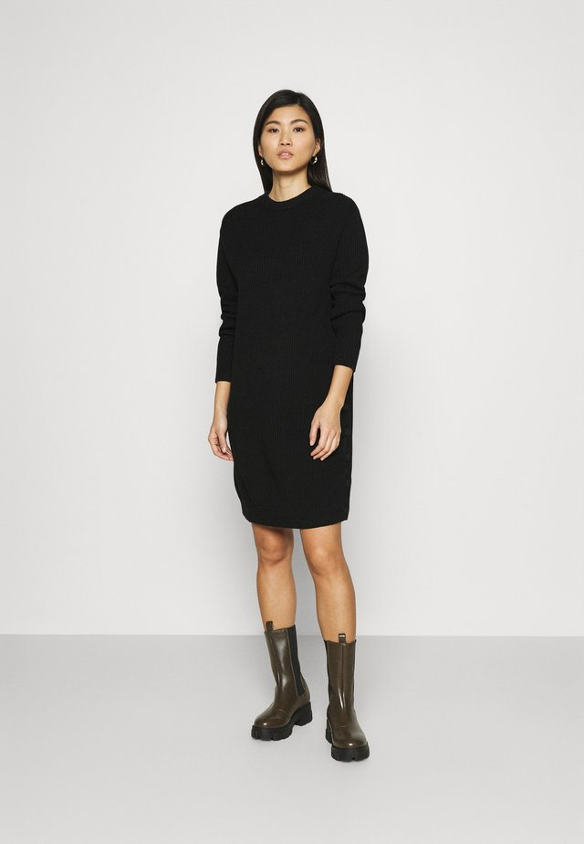 DRESS WITH LONG SLEEVE AND BUTTON PLACKET ON SIDE SEAM - Gebreide jurk - black