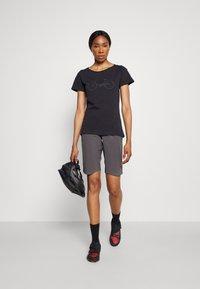 Triple2 - TUUR EEN BIKE - T-shirt print - anthracite - 1