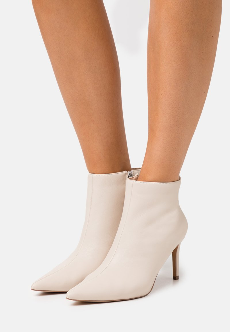NA-KD - POINTY STILETTO  - Ankle boots - nude