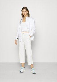 Monki - VINNIE  - Long sleeved top - solid offwhite - 1