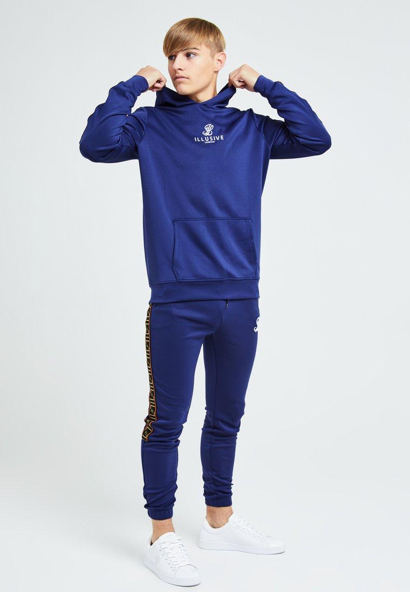 Illusive London Juniors - Hoodie - blue & orange