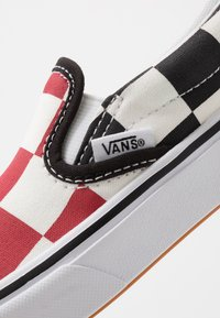 Vans - COMFYCUSH - Scarpe senza lacci - red/black - 2