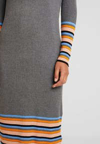 Vila - VIHELENI STRIPE DRESS - Jumper dress - medium grey melange/ultramarine - 6