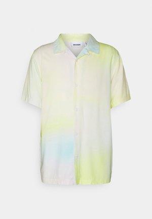 UNISEX COFFEE BLURRY SHORT SLEEVE SHIRT - Button-down blouse - yellow