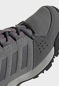 adidas Performance - TERREX HYPERHIKER LOW LEATHER HIKING SHOES - Trekingové boty - grey - 6