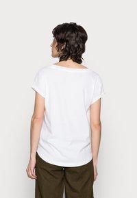 Marc O'Polo - Basic T-shirt - white - 2