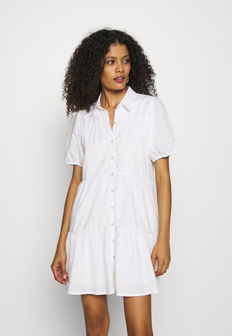Abercrombie & Fitch - SHIRTDRESS - Sukienka koszulowa - white