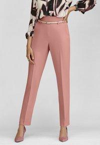 MADELEINE - Trousers - erikarosé - 0