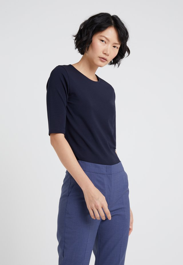 STRETCH ELBOW SLEEVE - Jednoduché triko - navy