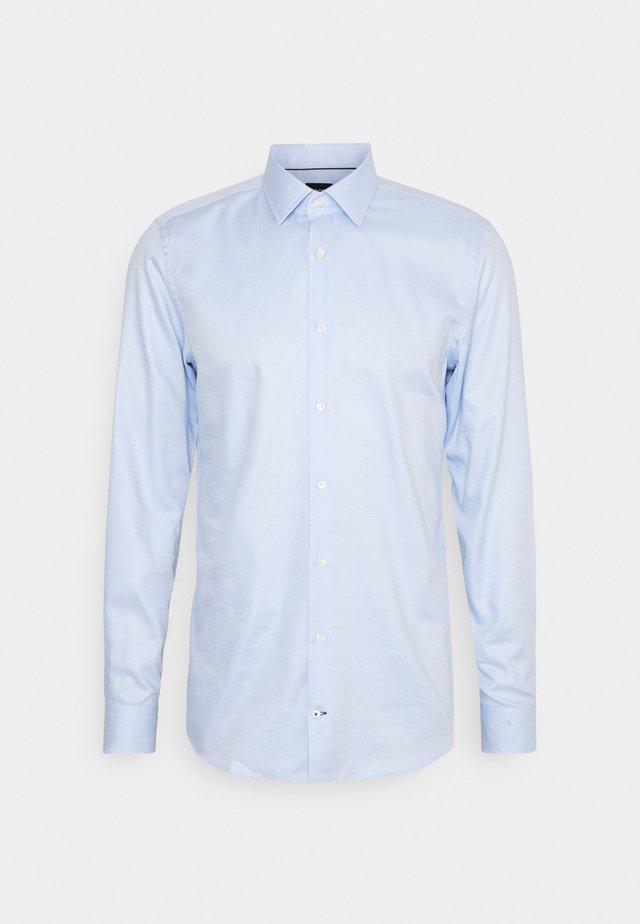 PIERRE - Zakelijk overhemd - pastel blue