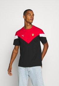 Puma - FERRARI RACE TEE - Print T-shirt - black/rosso corsa - 0