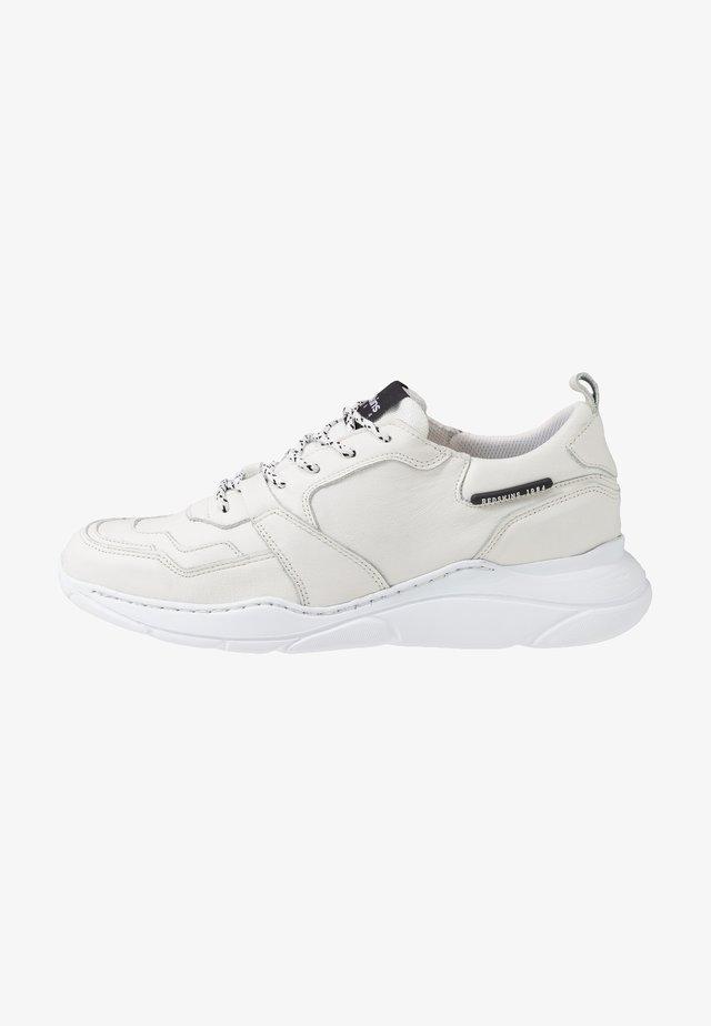 YMAD - Baskets basses - blanc