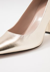 HUGO - INES CHUNKY - High heels - gold - 2
