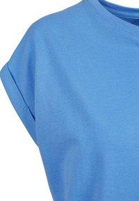 Urban Classics - EXTENDED SHOULDER TEE - Camiseta básica - horizonblue - 8