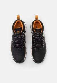 Timberland - BROOKLYN - Šněrovací kotníkové boty - black - 3