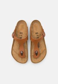 Birkenstock - GIZEH UNISEX - T-bar sandals - ginger brown - 3