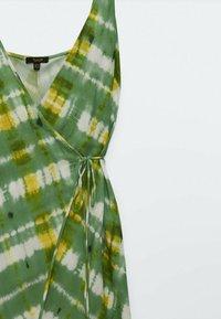 Massimo Dutti - Day dress - green/white - 2