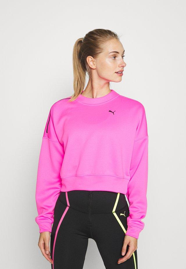 TRAIN BRAVE ZIP CREW - Collegepaita - luminous pink