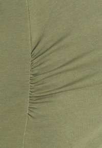 MAMALICIOUS - MLLEA DRESS - Jerseykjole - olivine - 2