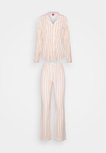 Pyjamas - light pink