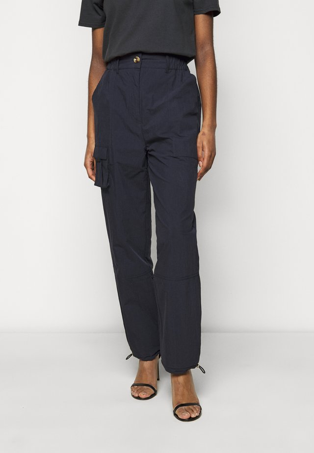 CARGO PANTS - Broek - dusty navy