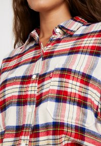 Levi's® - THE UTILITY - Button-down blouse - sandshell - 5