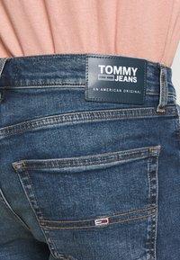 Tommy Jeans - Szorty jeansowe - blue denim - 4